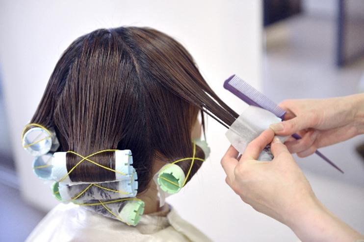 usu 097 01 パーマで髪が切れる?パーマで頭皮や毛髪はどれほど傷むの?