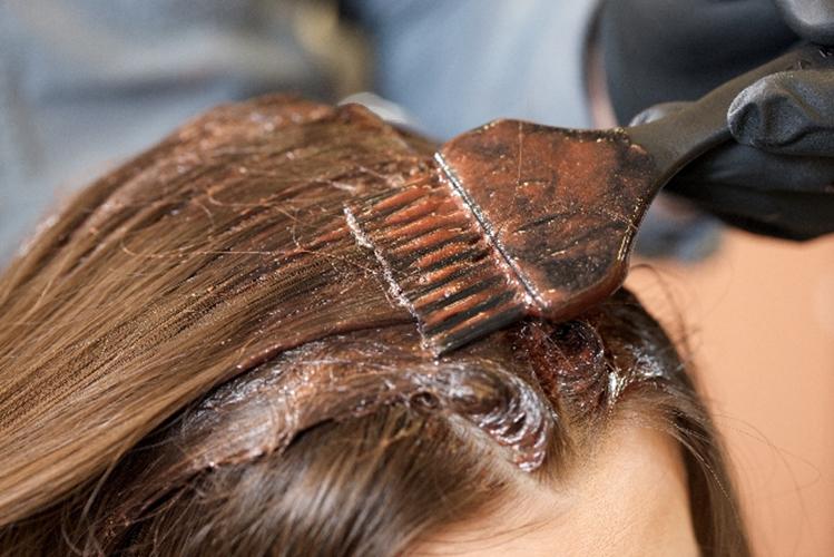 usu 099 01 ヘアダイやブリーチは、髪や頭皮をどれだけ傷つける?