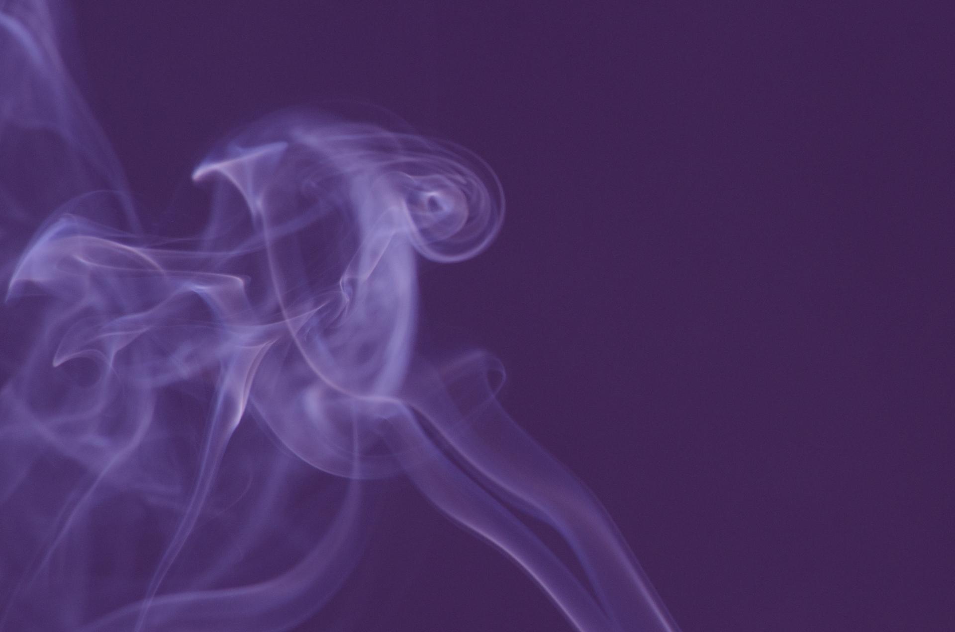 47041399939f6708815208dec042341b m タバコが髪に与える影響は?やっぱり辞めた方がいいの?