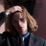 長髪は抜け毛になりやすいと言われる、本当の理由とは?
