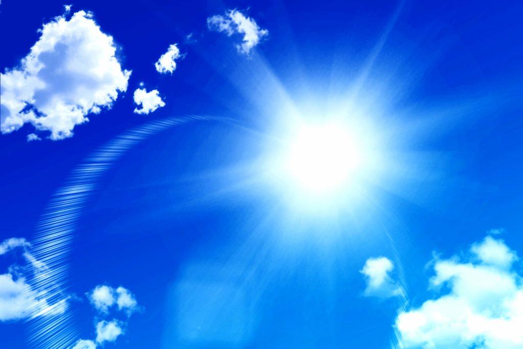 acc155b29c5aec039f62efbe17fdf74c m 1024x683 髪だって日焼けする!紫外線が髪に与える影響とは?