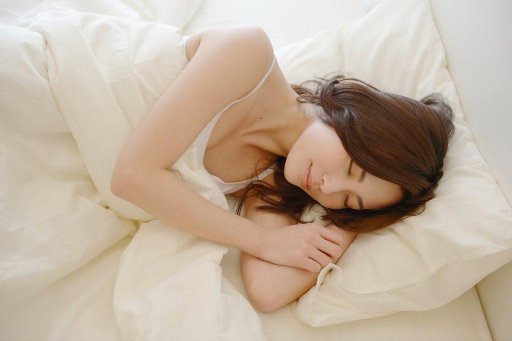 2c06a85402ab452ddd8439ee3b14e675 m 1024x683 髪は夜つくられる?質のいい眠りが健康な髪を作る!