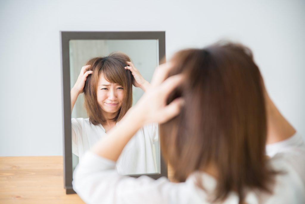 f9446ffe69c7bc3e5ea45bd454699e35 m 1024x683 女性の抜け毛にはどんな種類がある?6つのタイプを知りましょう