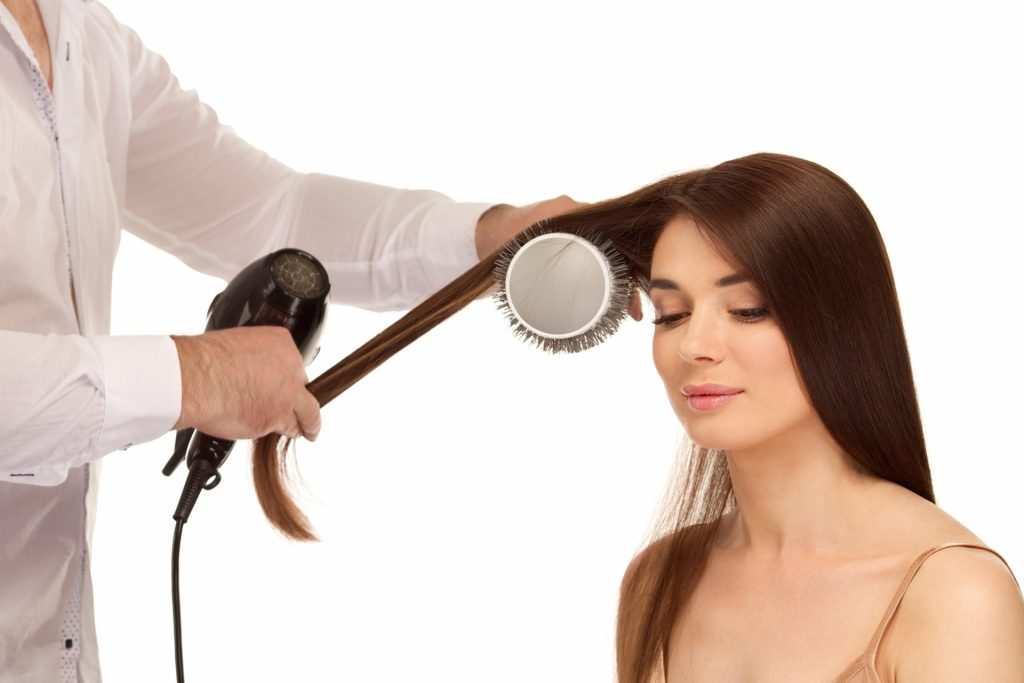 4e67edfd3823f3d2db43f6a83661b831 m 1024x683 気になる薄毛は、美容師のテクニックでボリュームアップ!