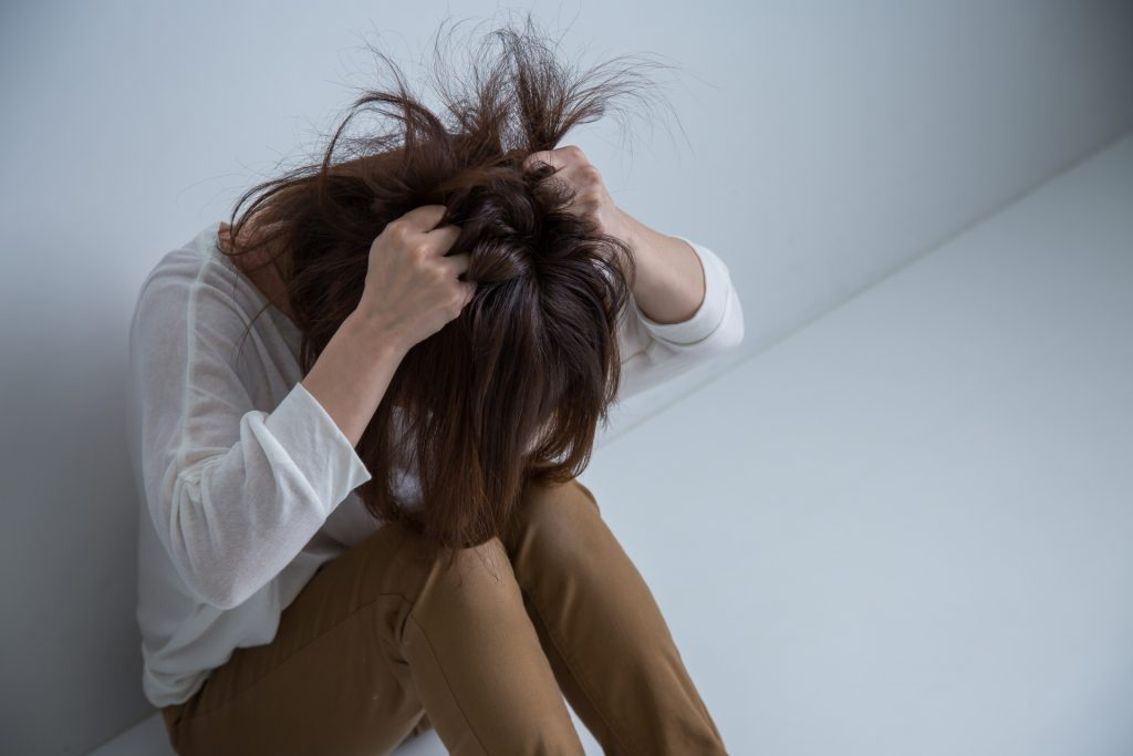 ef4729747b0b378de70e92274879f4df m 1024x683 女性の髪の悩みは40代から急増!薄毛の原因第一位はストレス